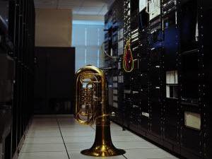 真正的电脑音乐:用服务器噪音 remix 出的电子音乐