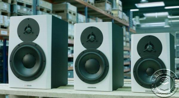 Dynaudio 全新白色 LYD 系列三款监听音箱全部上市
