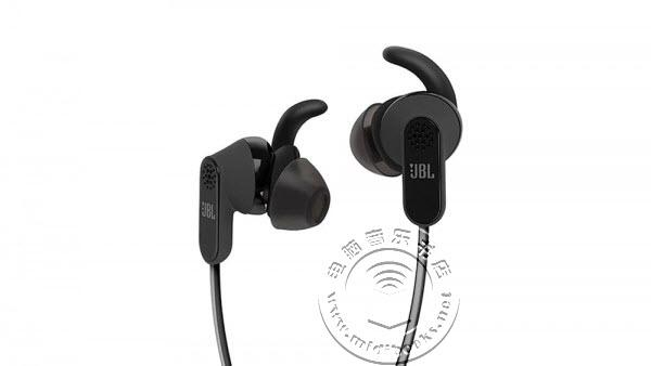 全球首款USB-C耳机 — JBL Reflect Aware C接受预订