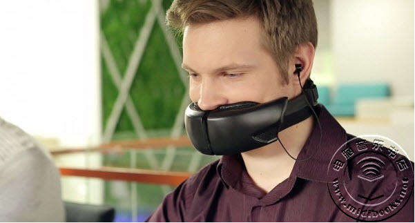 自带消音面罩的无线耳机 开放办公室也能谈笑风生