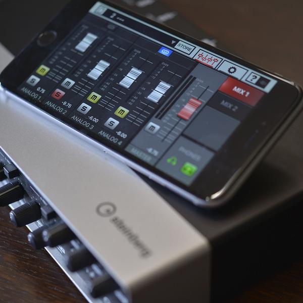 Steinberg 宣布整个UR系列音频接口现在都可以连 iPhone 用啦