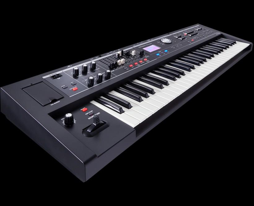 Roland 发布 V-Combo VR-730 和 VR-09-B 现场表演键盘