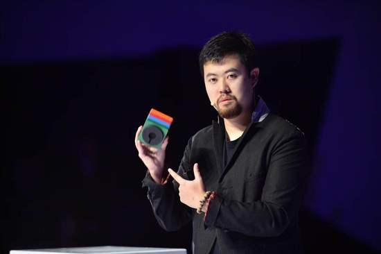 百度发布首款智能音箱raven H:LED点阵触摸 售价1699元