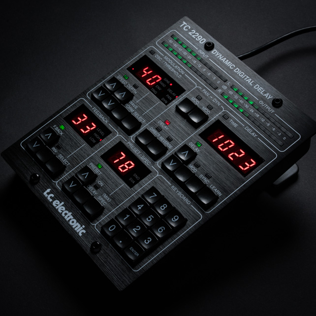 TC Electronic(TC 电子)经典的2290数字延迟效果器作为插件回归,并带有自己的控制器(视频)