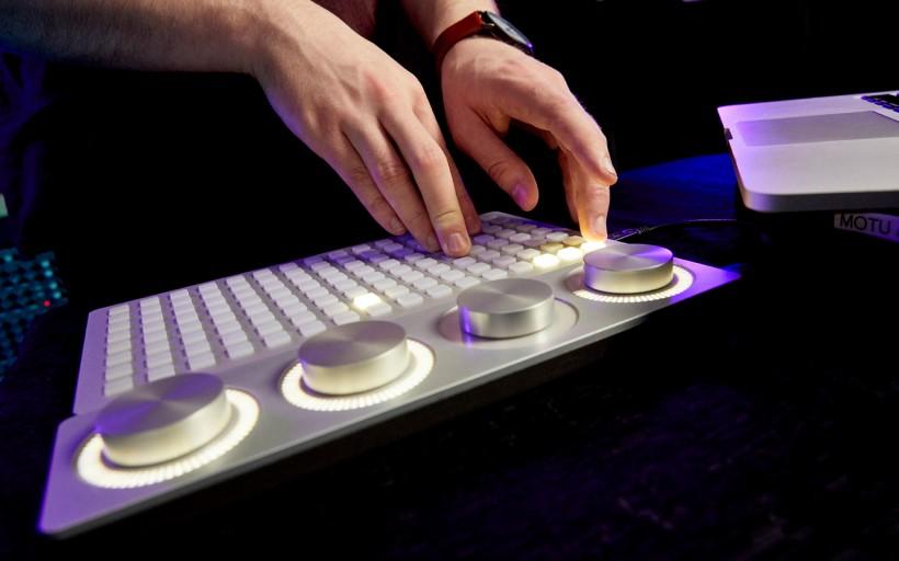 科技改变音乐:伯克利开设全新『电子乐器』专业