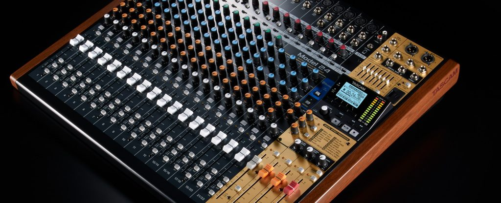 Tascam 发布 Model 24 数字多轨录音机(视频)