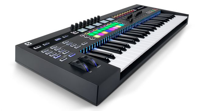 Novation 推出 SL MkIII MIDI键盘控制器
