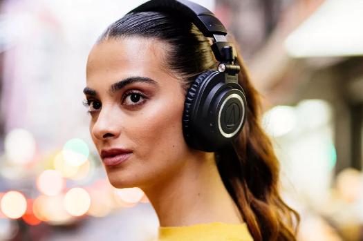 Audio-Technica(铁三角)推出经典监听耳机M50x无线蓝牙版