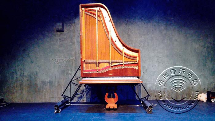 """未来钢琴(Future Piano)推出""""站立式三角钢琴""""新概念"""