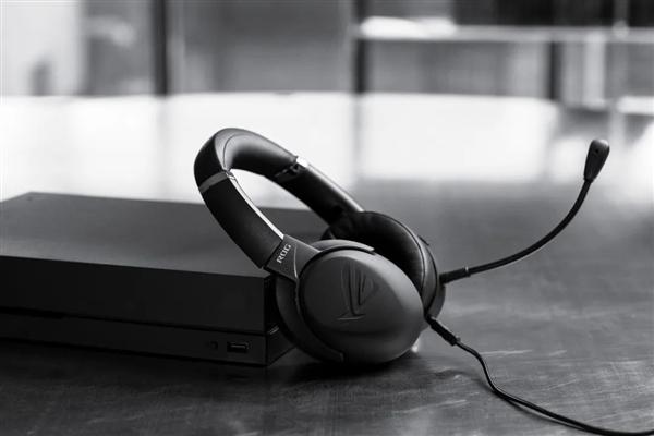 全球首款Type-C无线耳机:华硕ROG风行go 1999元开卖