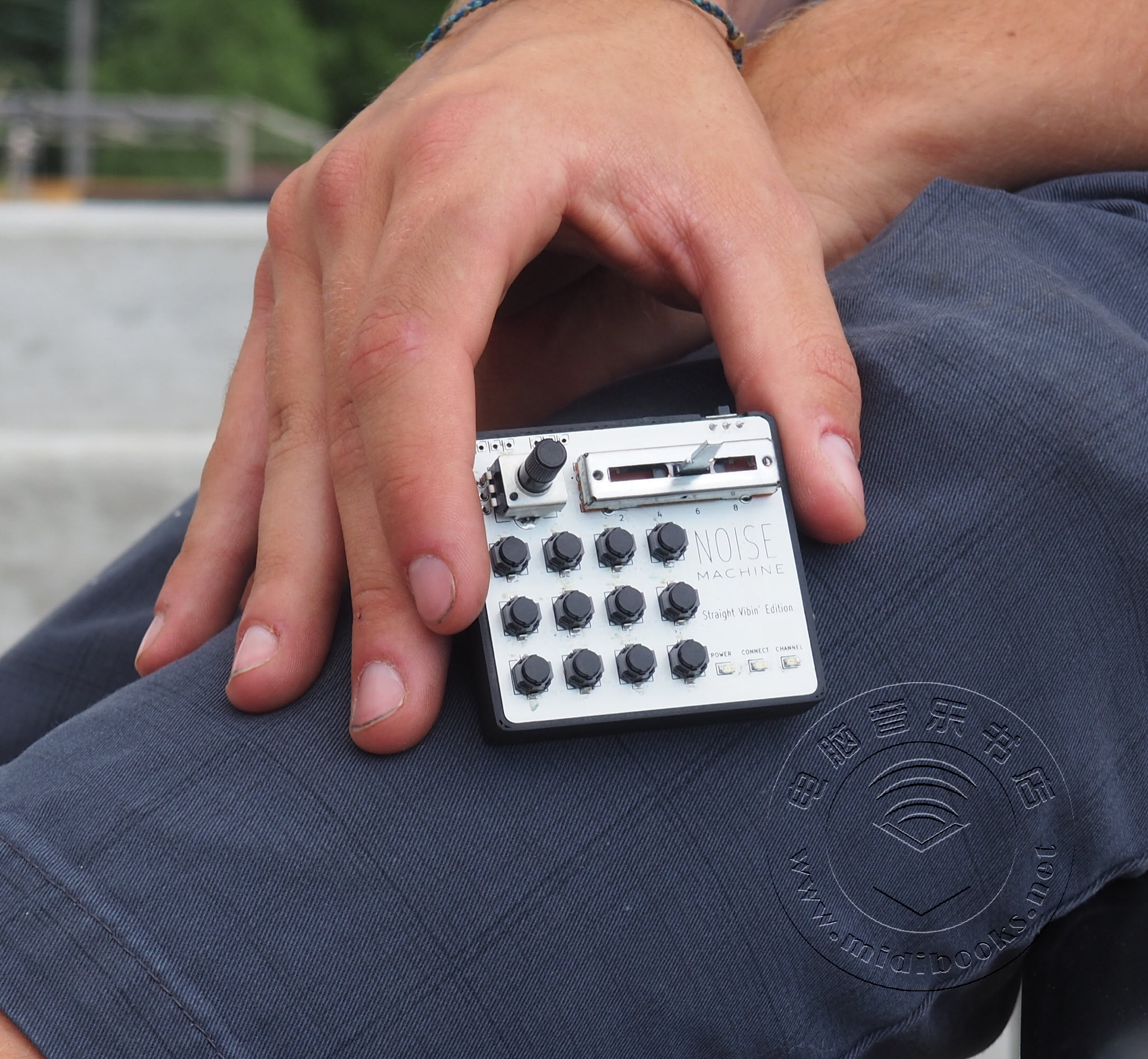 Noise Machine,据说是世界上最小的超便携MIDI控制器(视频)