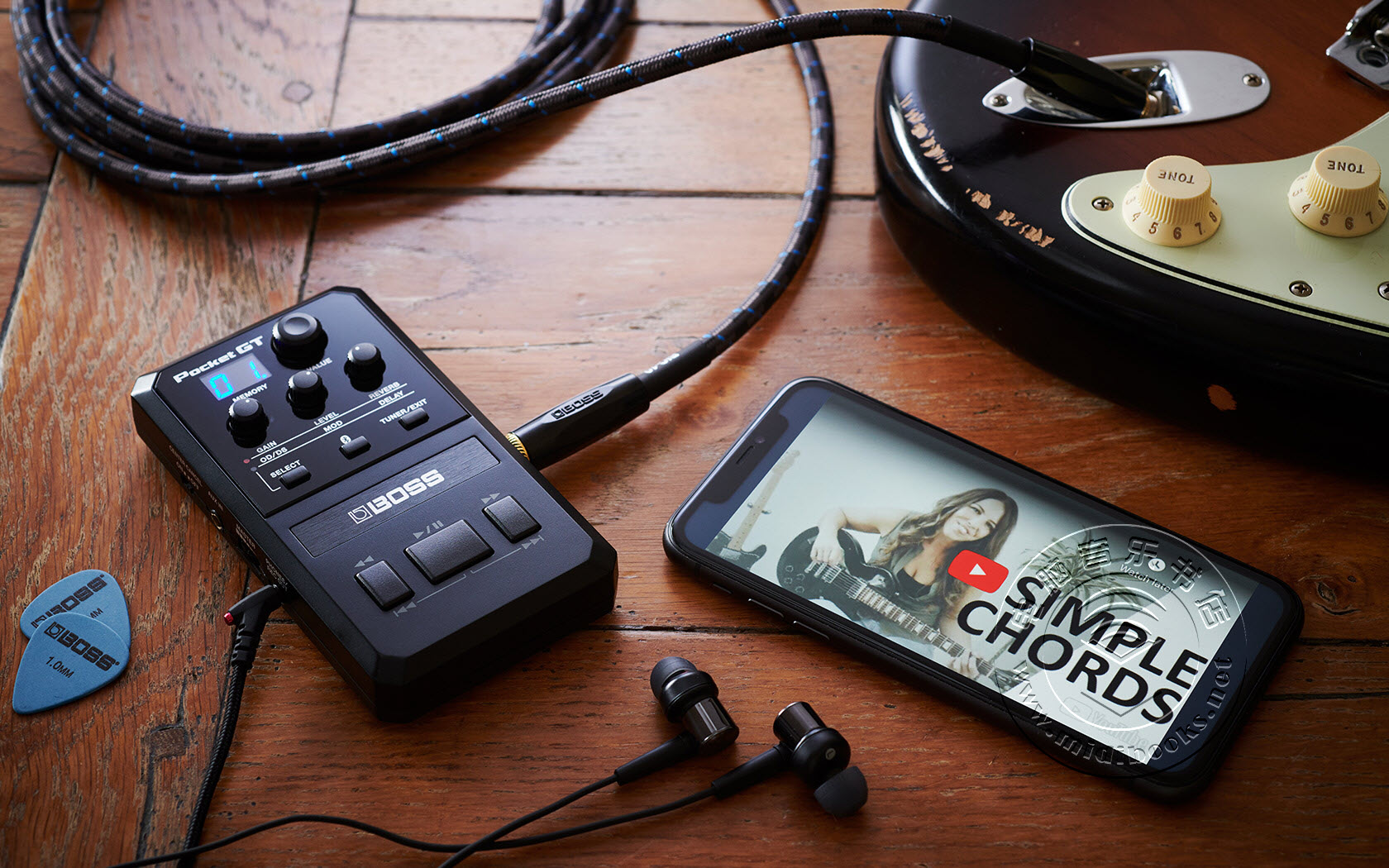 BOSS发布Pocket GT迷你吉他放大器和效果处理器,集成YouTube学习功能(视频)
