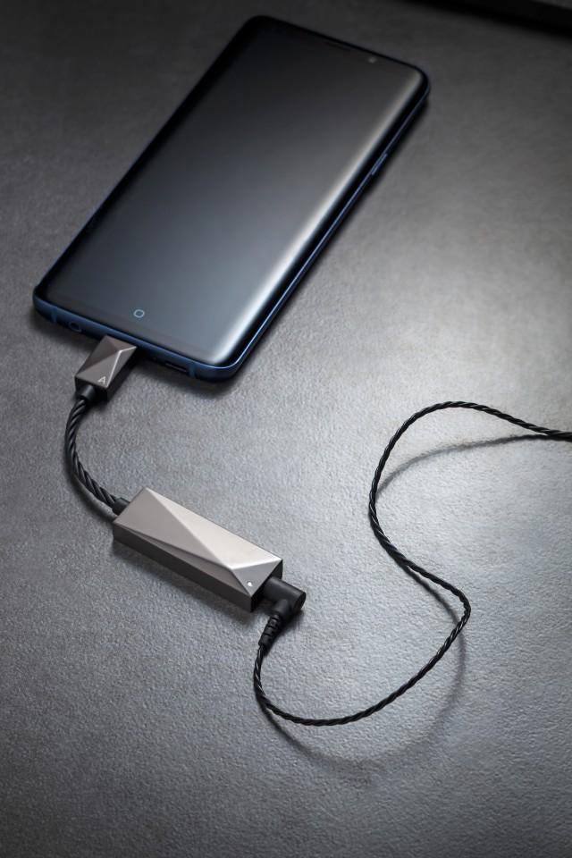 Astell&Kern 为传统插针耳机提供USB-C DAC模数桥接器