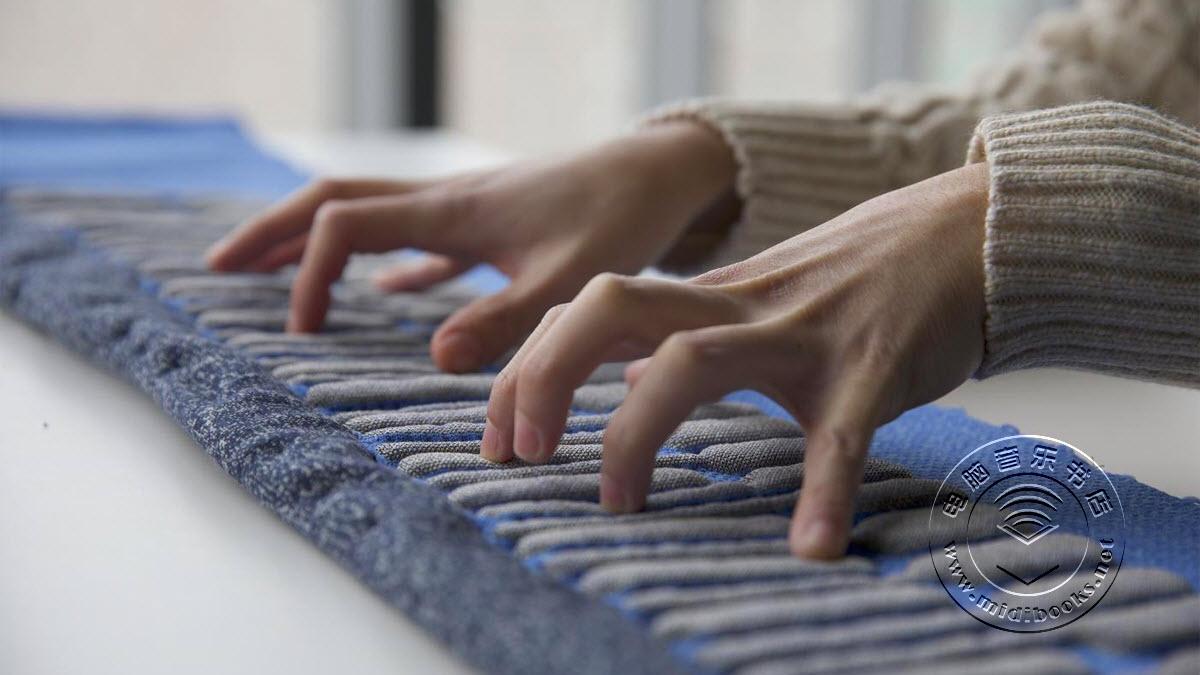 KnittedKeyboard II,可以像围巾一样穿戴在身上的MIDI键盘控制器(视频)